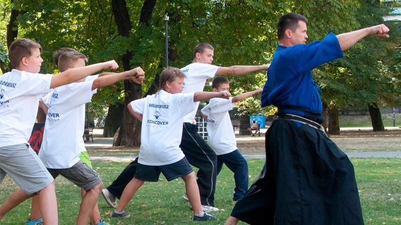 pozdro-karate-daniel-iwanek
